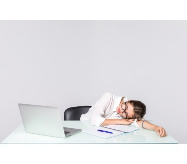 Tips for better sleep during financial stress